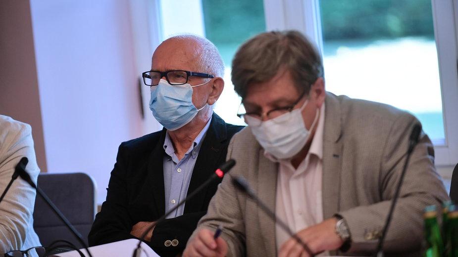 Przewodniczący Rady Mediów Narodowych Krzysztof Czabański oraz przewodniczący KRRiT Witold Kołodziejski