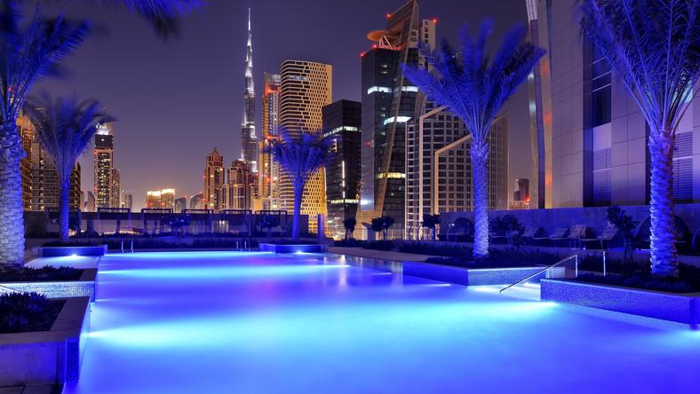 JW. Marriot Marquis Hotel Dubai został w styczniu wpisany do Księgi Rekordów Guinnessa. To najwyższy hotel na świecie. Łącznie mierzy 355 metrów, czyli zaledwie 26 metrów mniej niż Empire State Building w Nowym Yorku.
