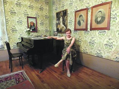 Izgled Kuće održavaju praunuk Filipa Cvetića Dragomir, njegova supruga Marina Lukić Cvetić (na slici) i njihova ćerka dr Lidija Cvetić