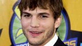 Ashton Kutcher pilnuje domu Tary Reid