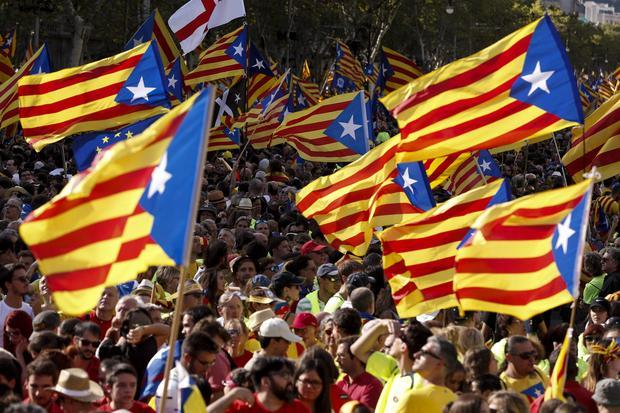 Demonstracja poparcia dla referendum w Barcelonie