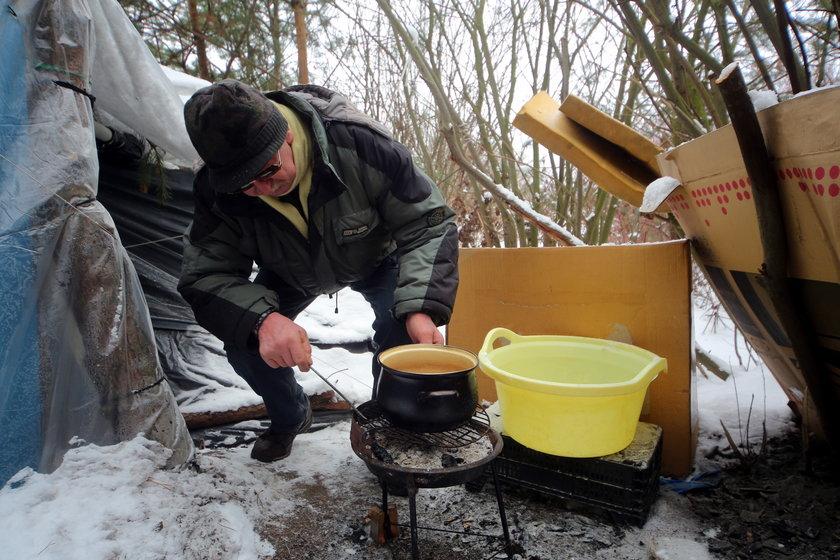 Jedyny majątek Grzegorza Gołembiewskiego to kuchenka i mały grill