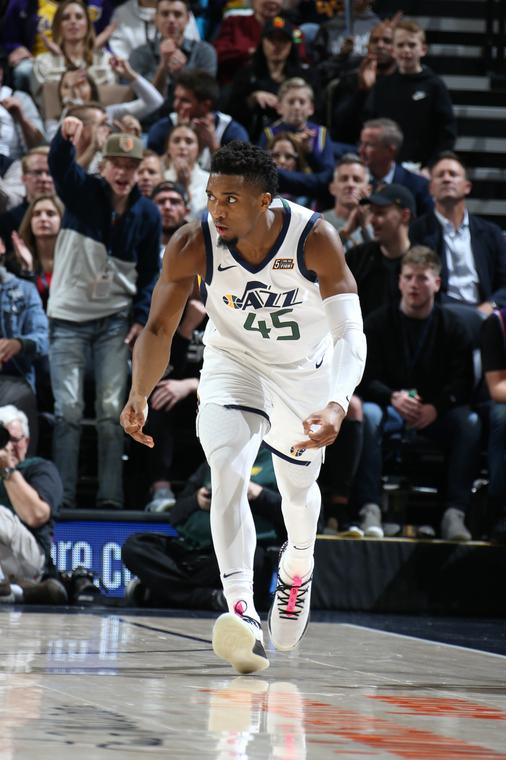 Donovan Mitchell led the Jazz to victory (NBA)