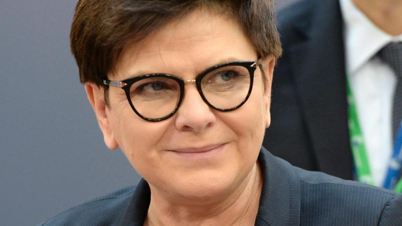 CBOS: 36 proc. zwolenników rządu Beaty Szydło; 33 proc. przeciwników