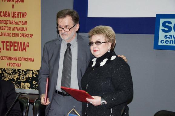 Dragan Grgurević, direktor Sava centra i Nadežda Kuščenkova direktorka Ruskog doma