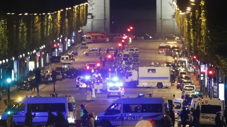 Policja sprawdza, czy zamachowiec z Paryża miał wspólników