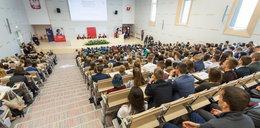 Koronawirus w Polsce. Uniwersytet Łódzki przekłada sesję