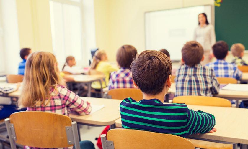Nauczycieli zabrakło, szkoły zaczynają zatrudniaćstudentów.