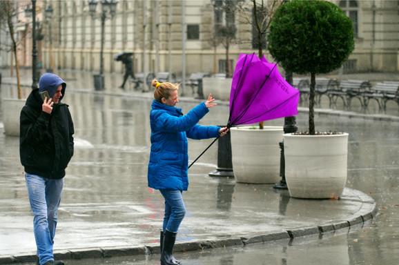 Hladno, kiša, sneg još i olujni vetar