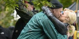 Tak całuje Piotr Adamczyk! FOTO