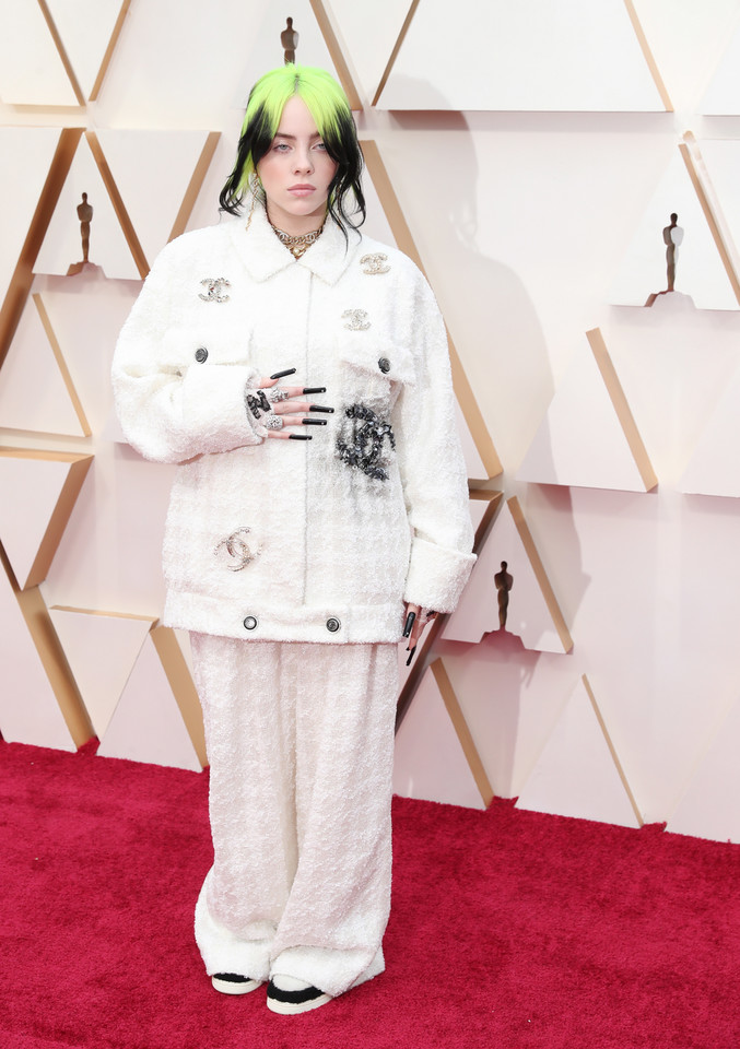 Billie Eilish w komplecie od Chanel