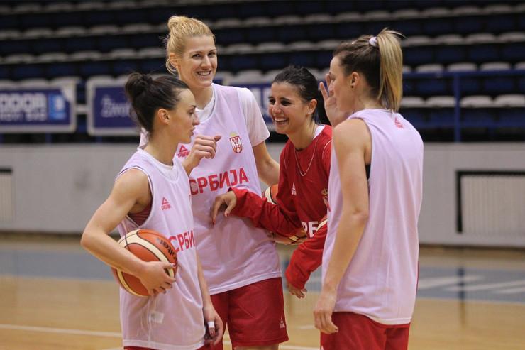Tamara Radočaj, Sara Krnjić, Ana Dabović, Nevena Jovanović