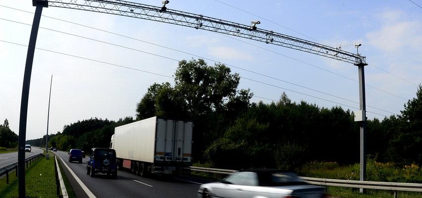 Kierowca tira zasnął za kierownicą na autostradzie. Miał ponad 1,5 promila!