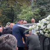 Legendarni Hrvat i Slovenac nosili sanduk - E, TO JE BIO DUDA! Košarkaški velikani Srbije i regiona se skrhani jedva oprostili od trenera /VIDEO/