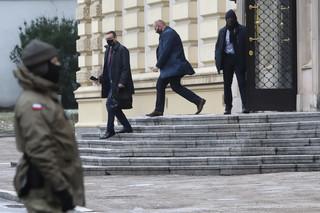 Spotkanie ws. szczepień. KO: Rząd chce się dzielić porażką z opozycją. Terlecki: Były też elementy humorystyczne
