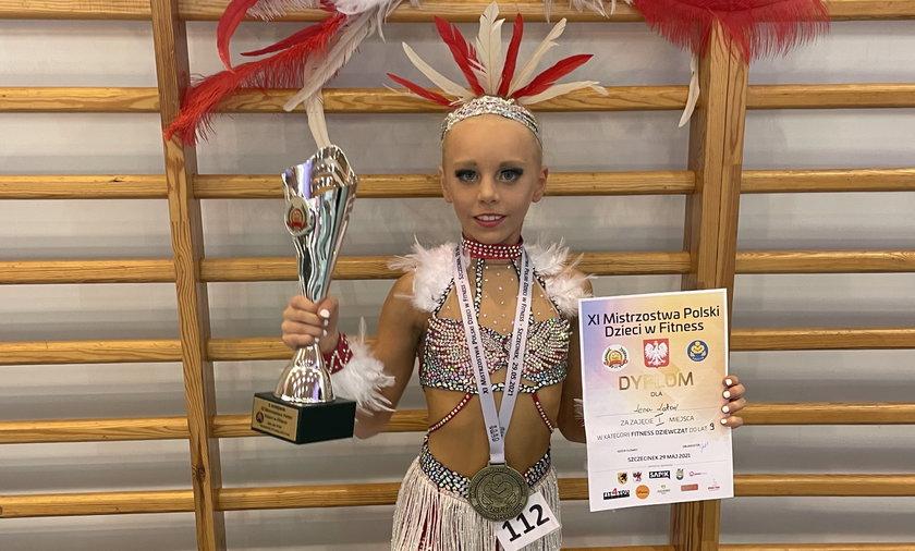 Ma 9 lat i jest mistrzynią świata w fitnessie gimnastycznym.