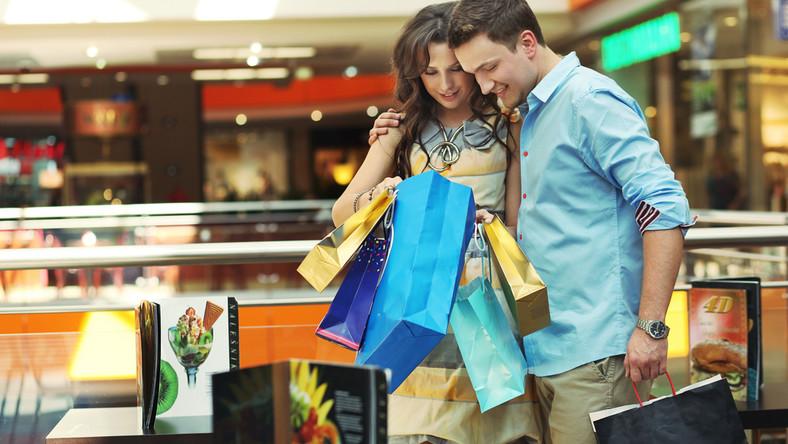W centrach handlowych uważaj na zarazki!