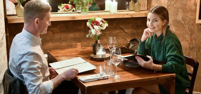 Pan Ireneusz na aukcji Faktu dla WOŚP wylicytował kolację z Julią Wieniawą. Tak wyglądało ich spotkanie [ZDJĘCIA]