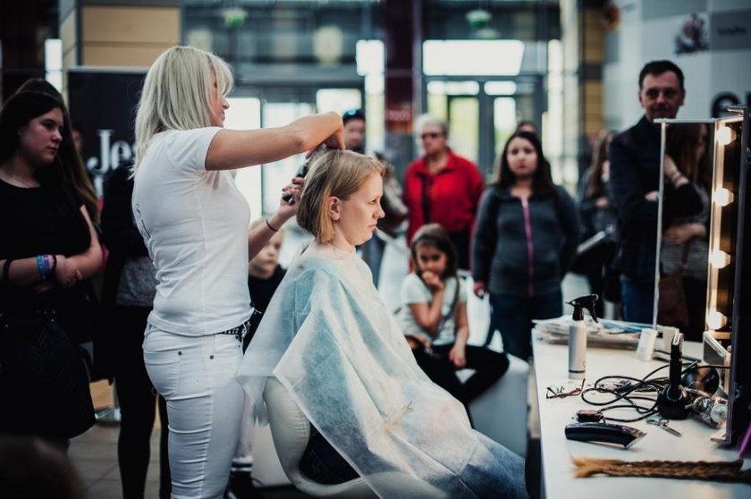 Katowice. Strzyżenie włosów na peruki dla ciężko chorych dzieci