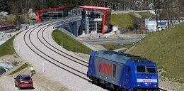 Uwaga! Wielka lokomotywa testuje nowe tory