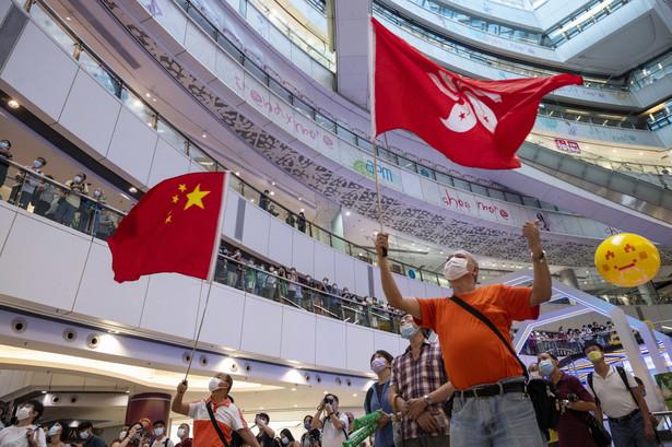 Kibice w Hongkongu oglądają transmisję z Tokio