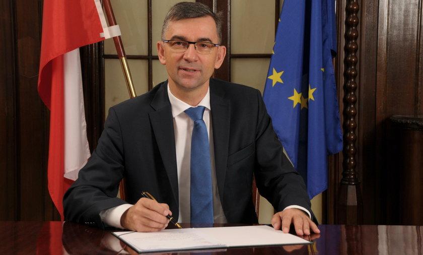 """IPN """"prześwietla"""" ambasadora RP w Berlinie"""