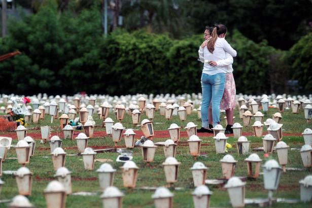 """Była prezydent określiła działania Bolsonaro """"ludobójstwo""""."""