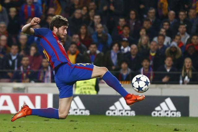 Serđi Roberto postiže gol za 6:1