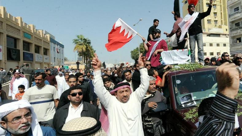 Policja zaatakowała demonstrantów w Bahrajnie. Są zabici