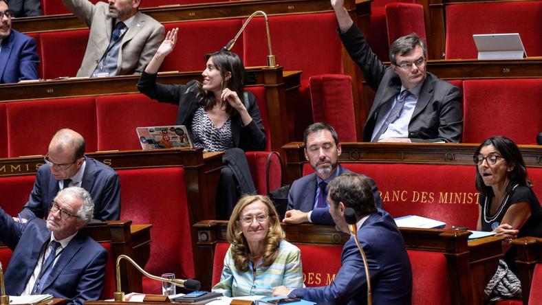 Francuska minister sprawiedliwości Nicole Belloubert w czasie głosowania w parlamencie