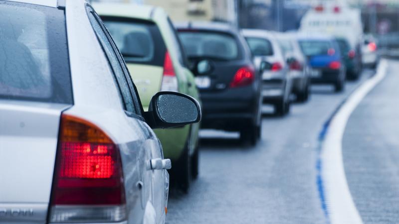 Wolniej na polskich drogach bez prawa jazdy