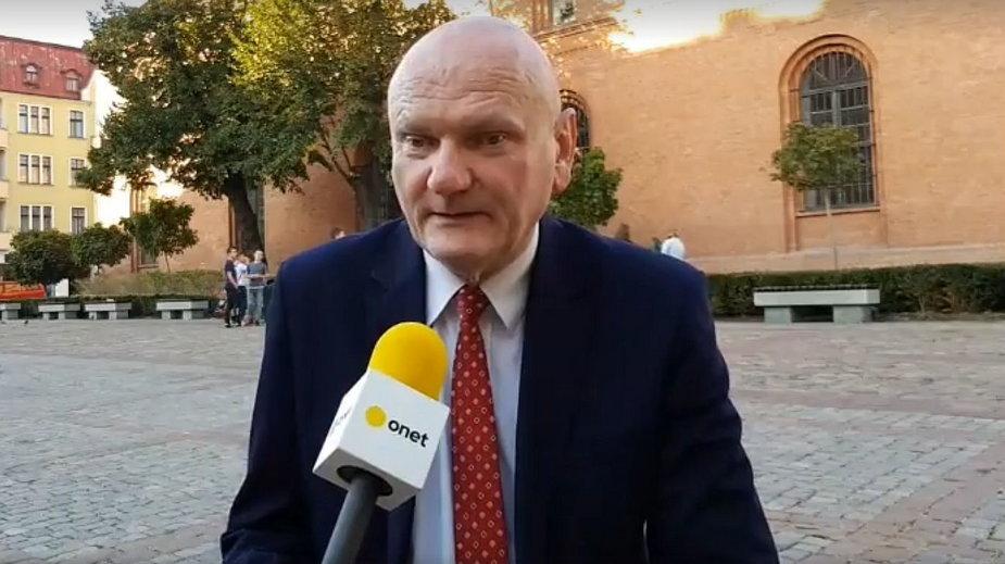 Prezydent Torunia Michał Zaleski podczas wywiadu dla Onetu