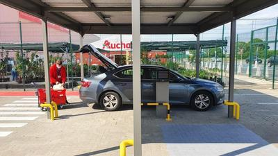 """Rusza Auchan Drive. Zakupy online z odbiorem """"do samochodu"""""""