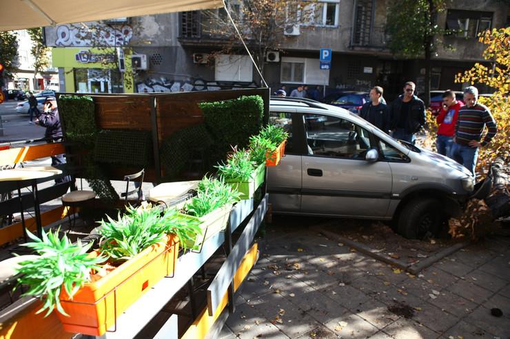 auto u restoranu francuska