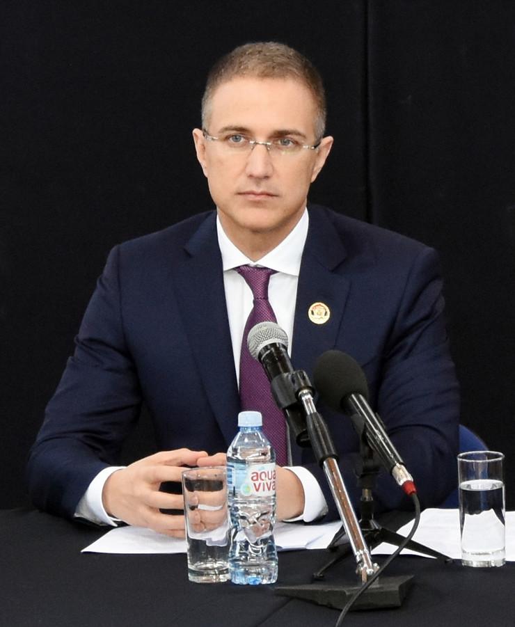 Nebojša Stefanović *