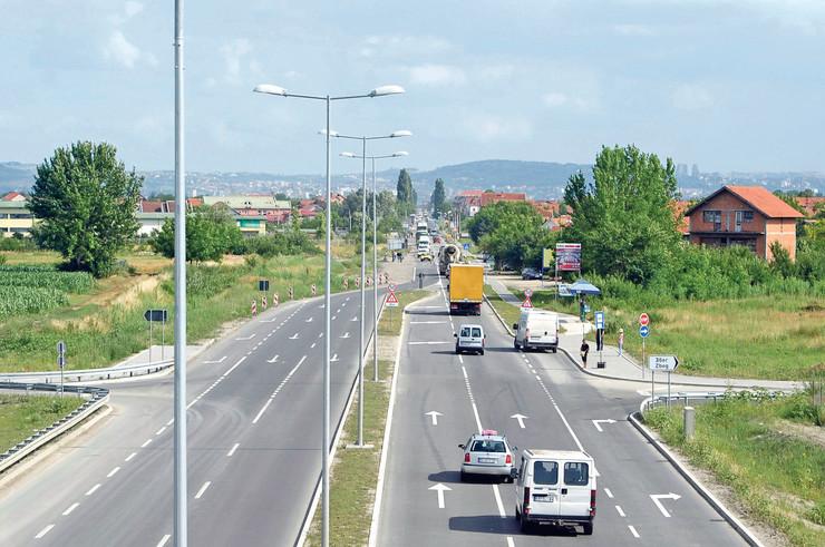 Trasa puta, prema planu, prati prugu Šabac-Loznica