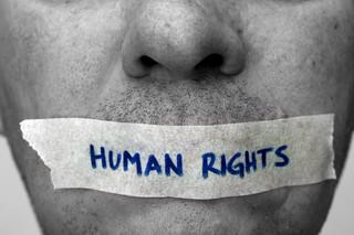 W jakich krajach przestrzeganie praw człowieka jest największym problemem? Nowy raport amerykańskiego Departamentu Stanu