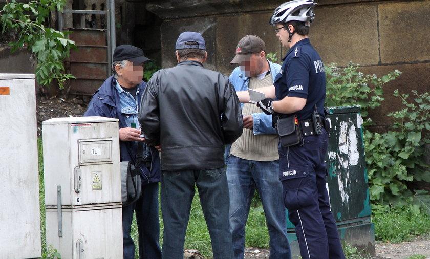 POLICJA PATROL ROWEROWY STRAZ MIEJSKA KAWA