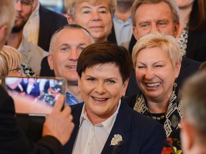 Premier Beata Szydło przyznaje, że wcześniejsza emerytura oznacza niższe świadczenie
