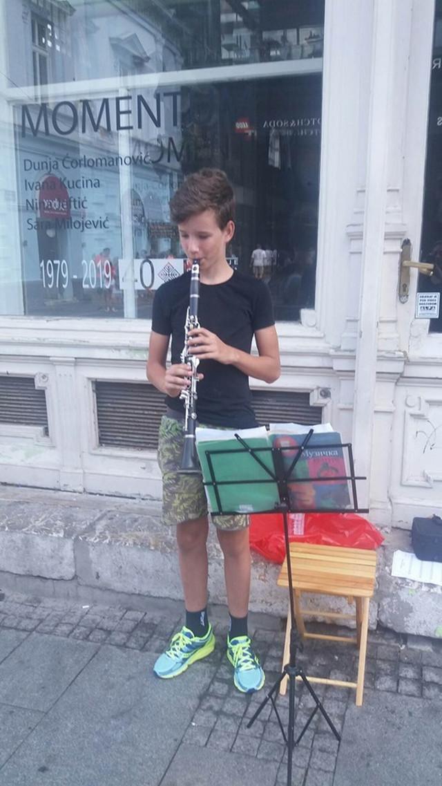 Filip već tri godine pohađa muzičku školu u rodnom Valjevu