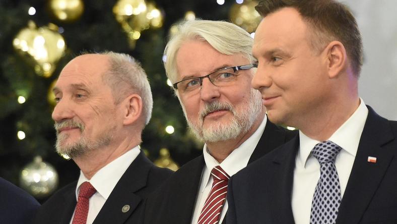Antoni Macierewicz i Witold Waszczykowski (z lewej)