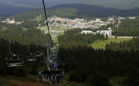 Državna preduzeća imaju odmarališta na najatraktivnijim turističkim lokacijama