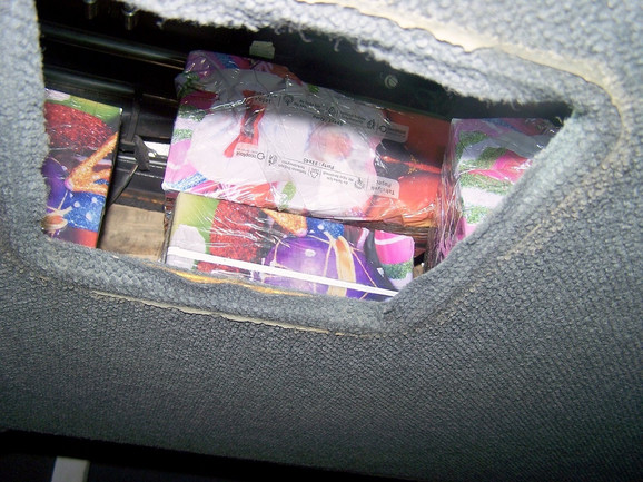 Paketi sa parfemima zaplenjeni na Gradini