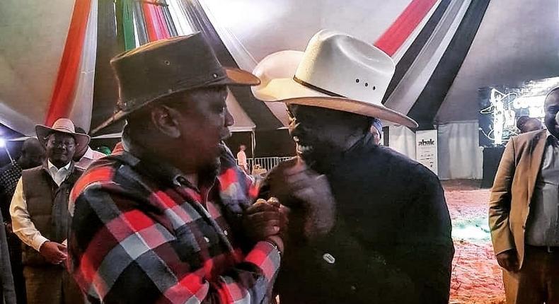 Uhuru, Waiguru unwind to country music after Devolution Conference