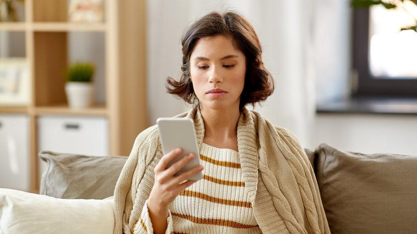 Sprzedając rzeczy w internecie, trzeba zachować czujność! Coraz częściej oszuści podszywają się pod kupujących z Allegro bądź OLX.