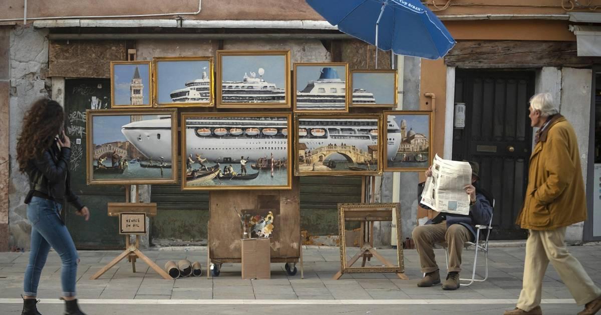Banksy droppt Kunstinstallation, die den Tourismus kritisiert
