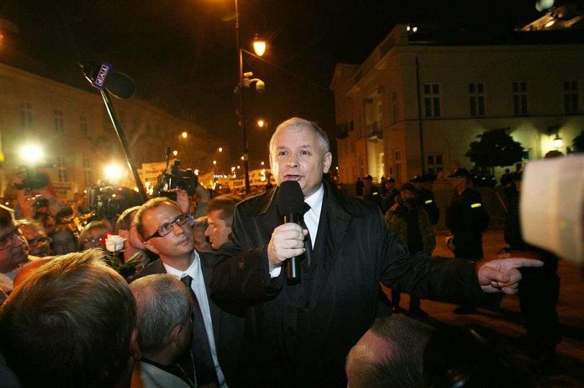Kaczyński wyszedł na ulice. Co mówi?