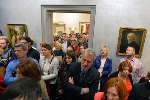 Gužva na otvaranju izložbe Uroša Predića