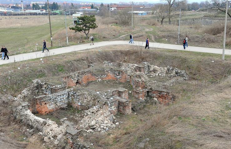 127176_nis-01-nalaziste-rezidencije-u-tvrdjavi-k-kamenov