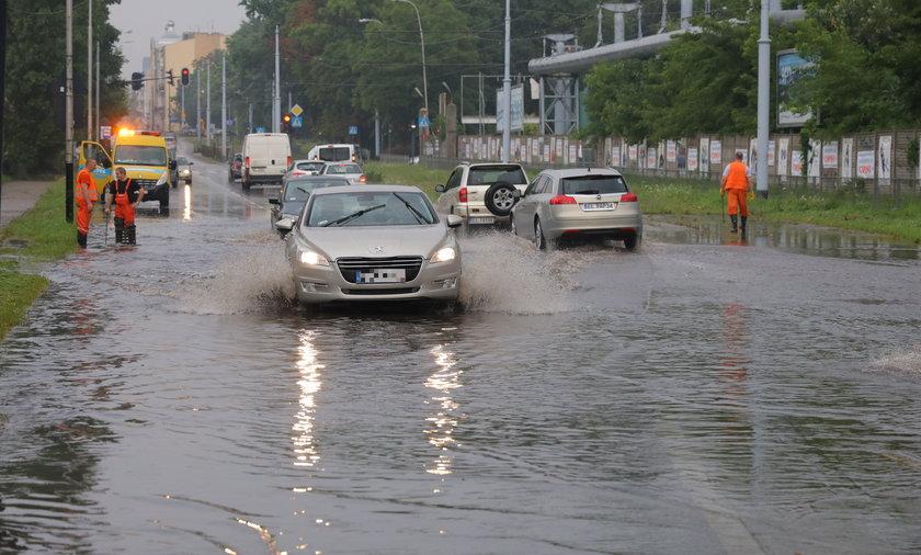 Pogoda: Gdzie jest burza? IMGW ostrzega przed ulewnymi deszczami